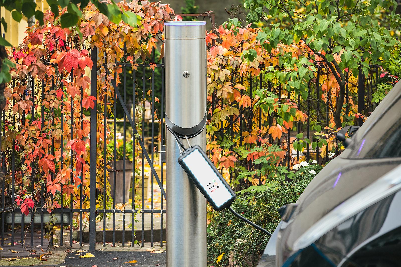 outdoor-ev-charging-station-urban-neighborhood-wilcox-electric-dc